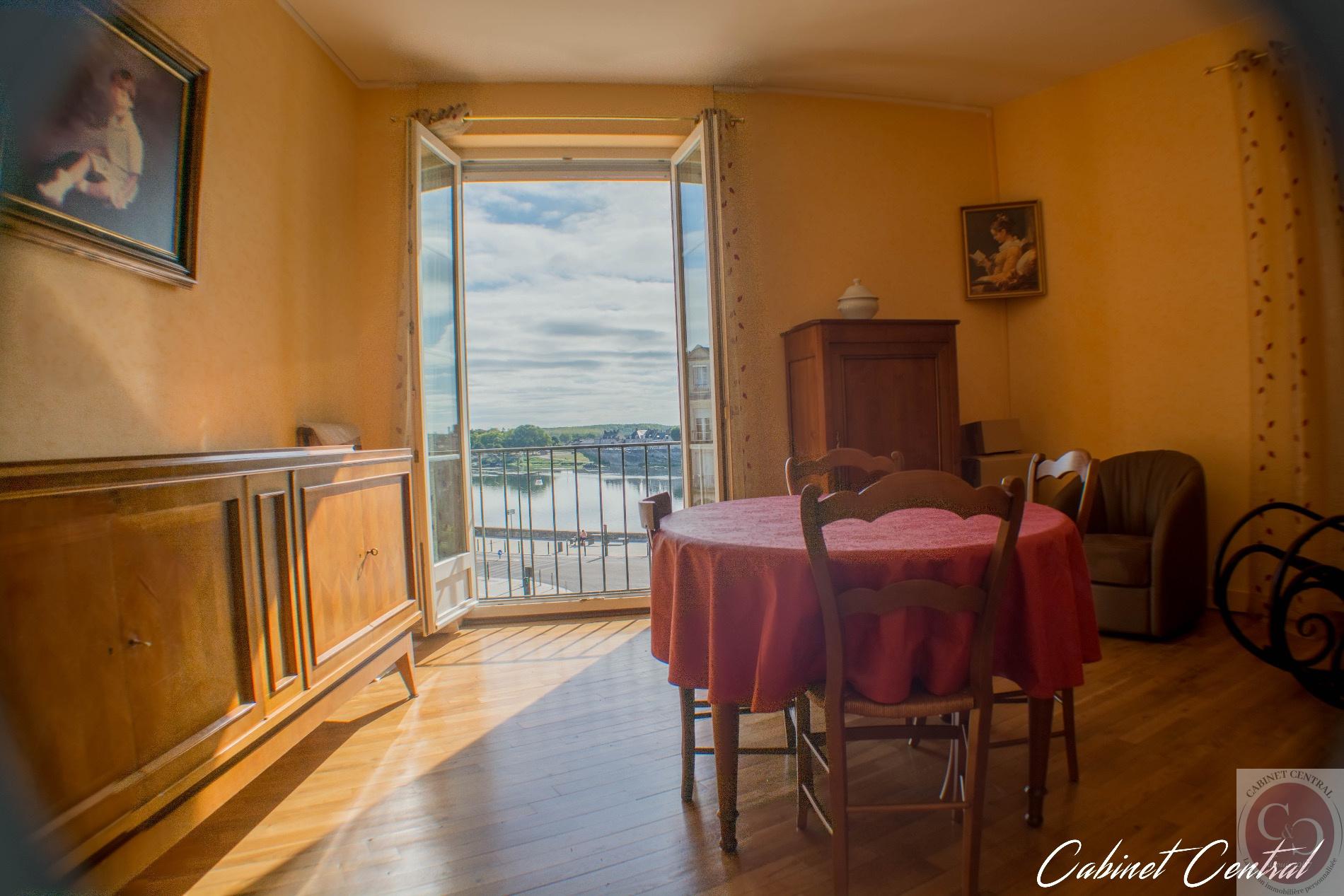 Vente appartement de type 2 avec magnifique vue sur loire dans le centre ville de blois - Garage rebaud st victor sur loire ...